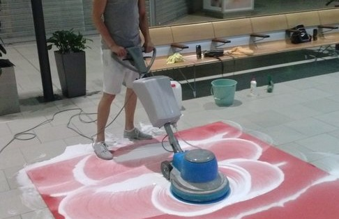 Strojové čištění koberců Praha
