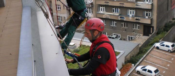 Mytí výloh, výškové práce Praha